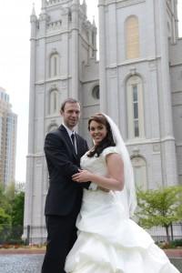 Gary y Amanda el día de su sellamiento en el Templo de Salt Lake City