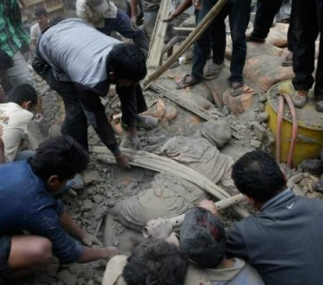 nepal-earthquake-rescue-01